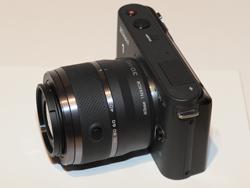 Nikon 1 10-30mm標準レンズ(10mm端)