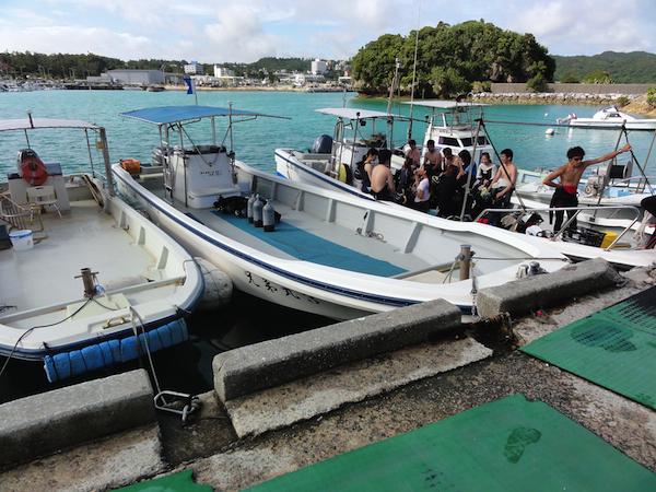 恩納村の港