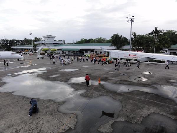 在りし日のタクロバン空港