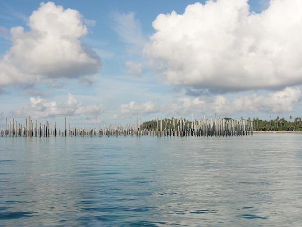 マブール島の沿岸