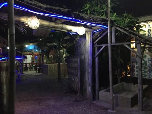 マクタン島のBAMBOOレストラン