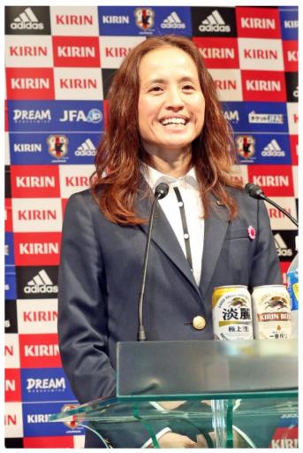 高倉麻子U-20女子代表監督(日刊スポーツから拝借)