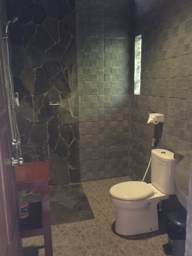バスティアノスダイブリゾートのバスルーム