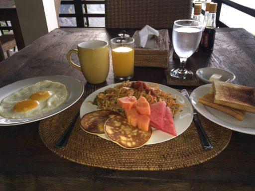 朝食メニューの例