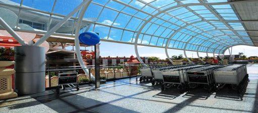 バリ、ングラライ空港