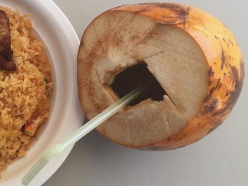 スリランカフェスティバルのココナッツ